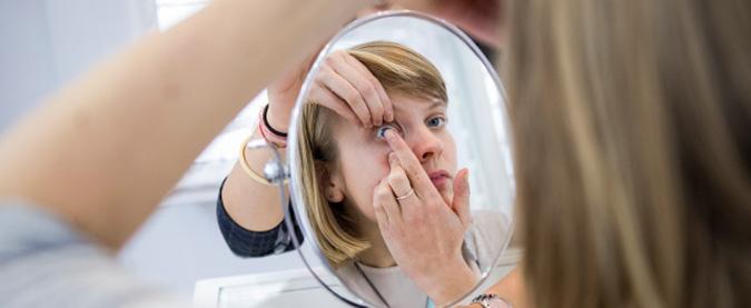 Contact Lens handling & maintenance instruction at Zacks London Eye Clinic