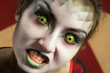 Should I let my kids wear costume contact lenses?